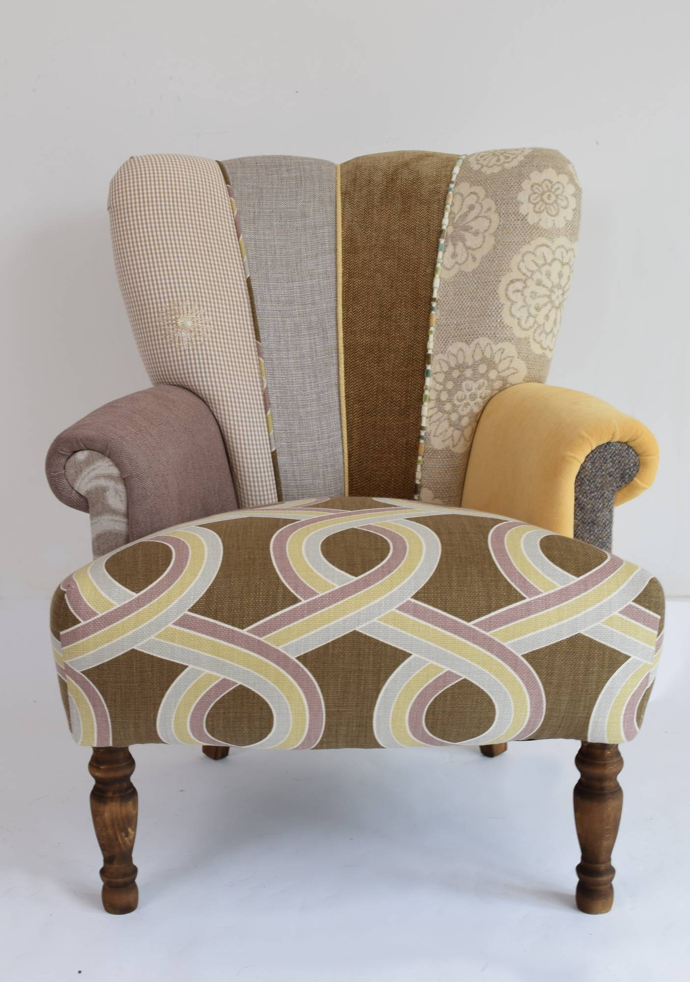 Quirky harlequin chair 137 chairs for Quirky furniture