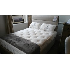 Hypnos Royal Indulgence - 5'0 King Pocket Sprung Divan Set w/ Florence Headboard