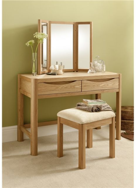 Winsor Furniture Ltd. Tempo Bedroom Collection Dressing Table