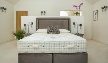 Peter Betteridge Bed Collection Mohair Supreme