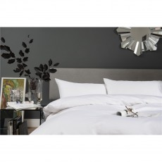 The Lyndon Company 400 Thread Count White Duvet Set