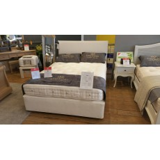 "Vispring Devonshire 5'0"" King Size Sprung Edge Divan Set - CLEARANCE"